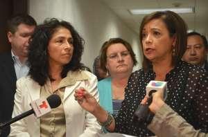 Iris Martínez apoye ley de transparencia para el Tribunal del Condado Cook