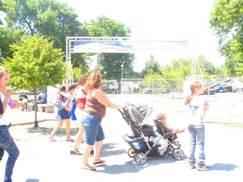 Buscan mejorar la salud de los residentes a través del acceso a parques de Chicago