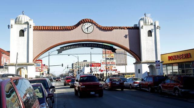 Emanuel propone plan para conservar la identidad de Pilsen y La Villita, históricos barrios latinos de Chicago