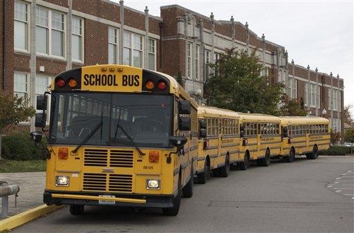 Las escuelas públicas de Chicago permanecen cerradas a causa de la pandemia de covid-19.