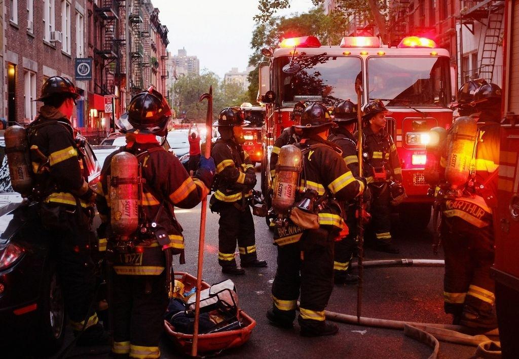 6 familias desplazadas después de un incendio en Oak Park