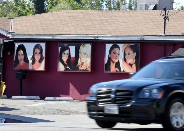 Stormy Daniels protesta por el impuesto a los 'strip clubs' en Illinois