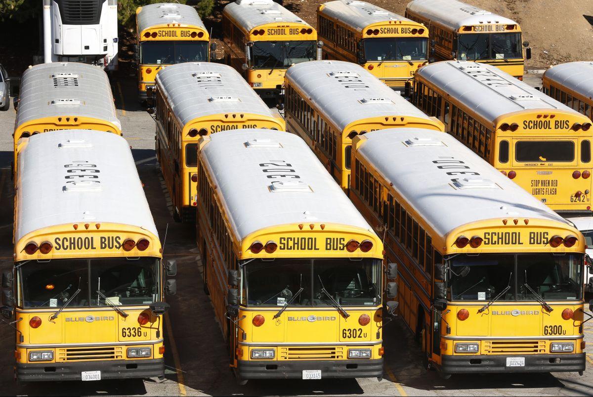 Se espera que cancelen las clases presenciales y se pase a aprendizaje remoto debido a tormenta invernal