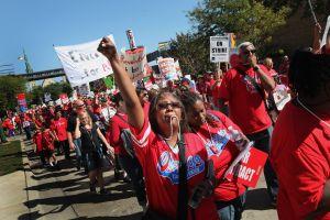 Maestros de Chicago se lanzan a histórica huelga de un día este 1 de abril