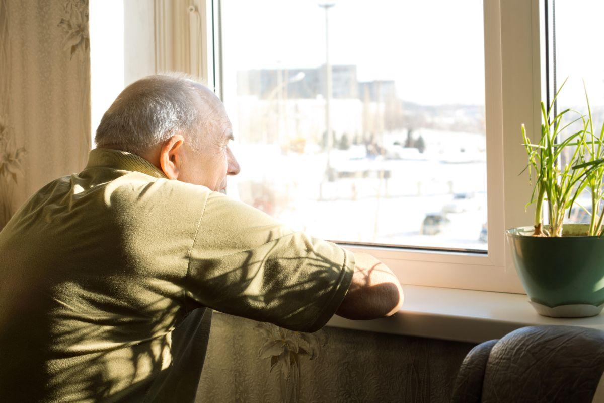 A nivel nacional, según un análisis del Censo, alrededor del 21% de los adultos (no hay diferenciación entre grupos étnicos) de 65 años o más viven solos.