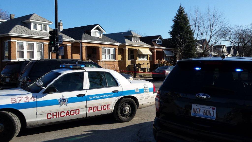 Hombre sufre heridas de bala en el vecindario de Chicago Lawn