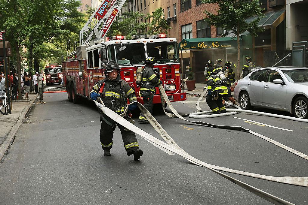 Hombre con paraplejia rescatado de un incendio en un barrio al sur de Chicago