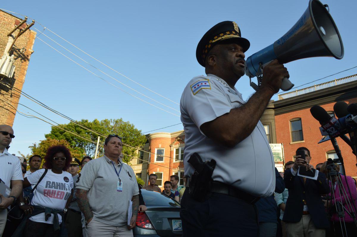 Alientan a los oficiales a buscar apoyo en servicios de salud mental.