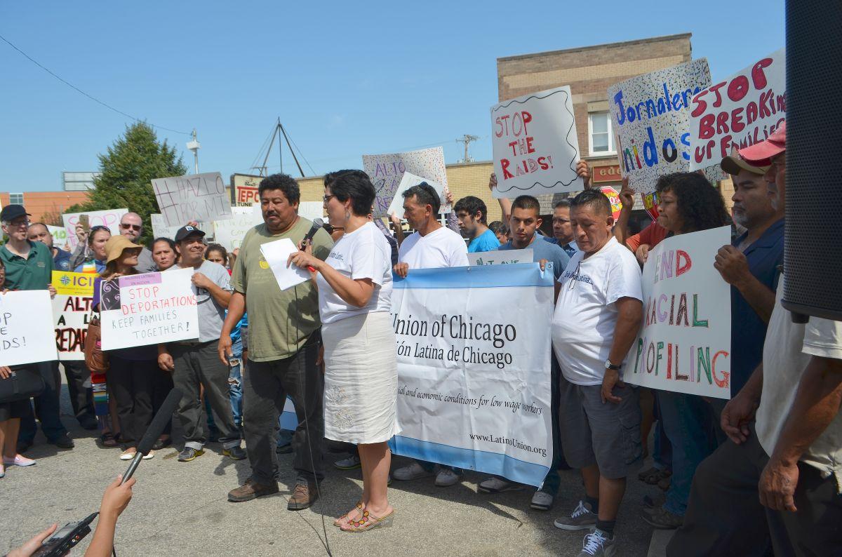 Jornaleros inmigrantes latinos denuncian racismo de agentes de ICE en Chicago