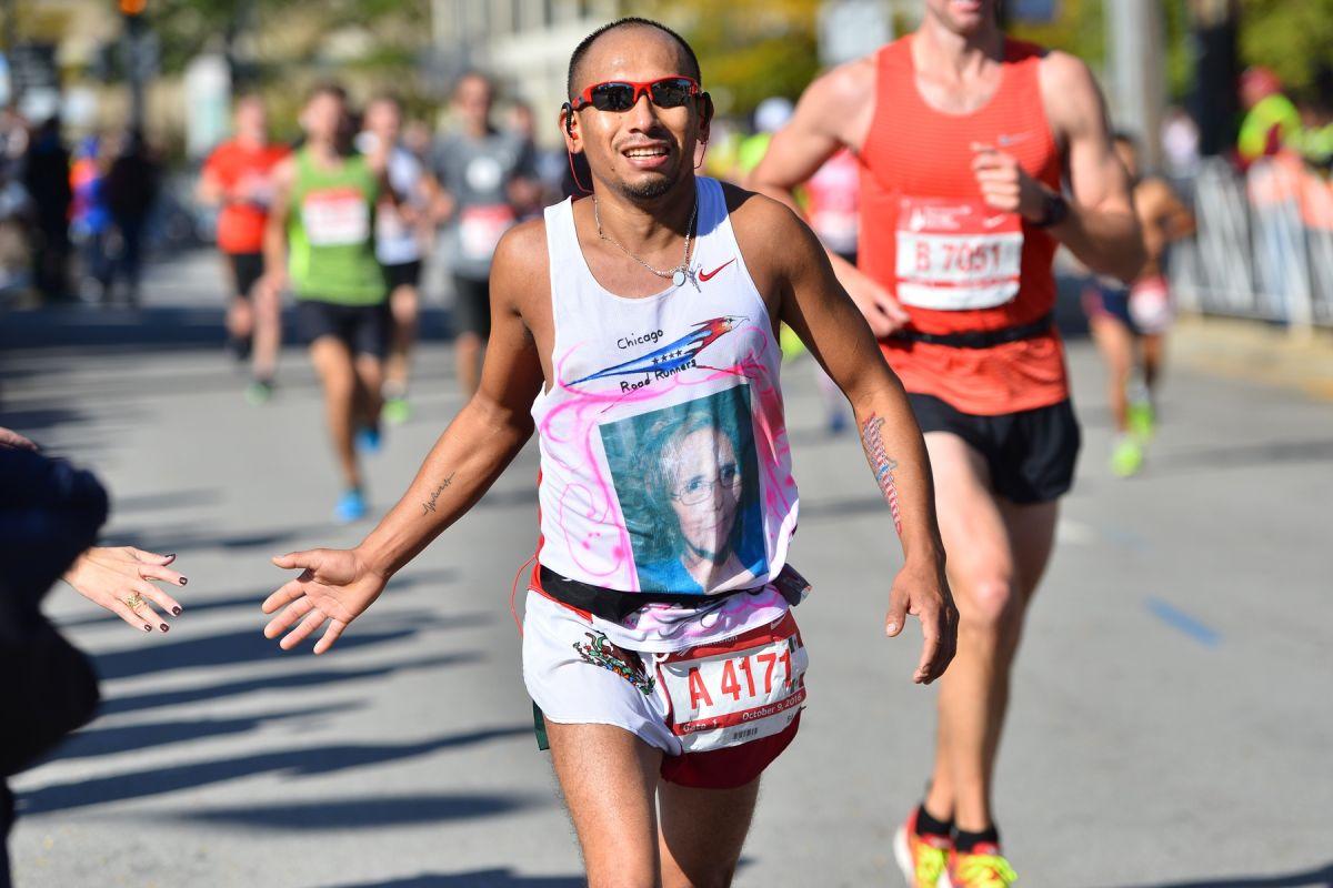 Todos los asistentes al Maratón de Chicago deberán usar mascarilla mientras se encuentren en lugares de eventos bajo techo y en el Grant Park antes de iniciar la carrera.