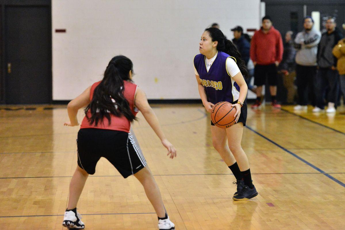Llega la final del basquet femenil azteca de Chicago