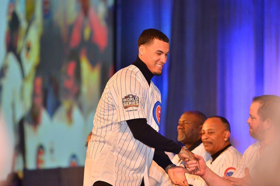 Los campeones Cubs de Chicago buscan repetir la gloria