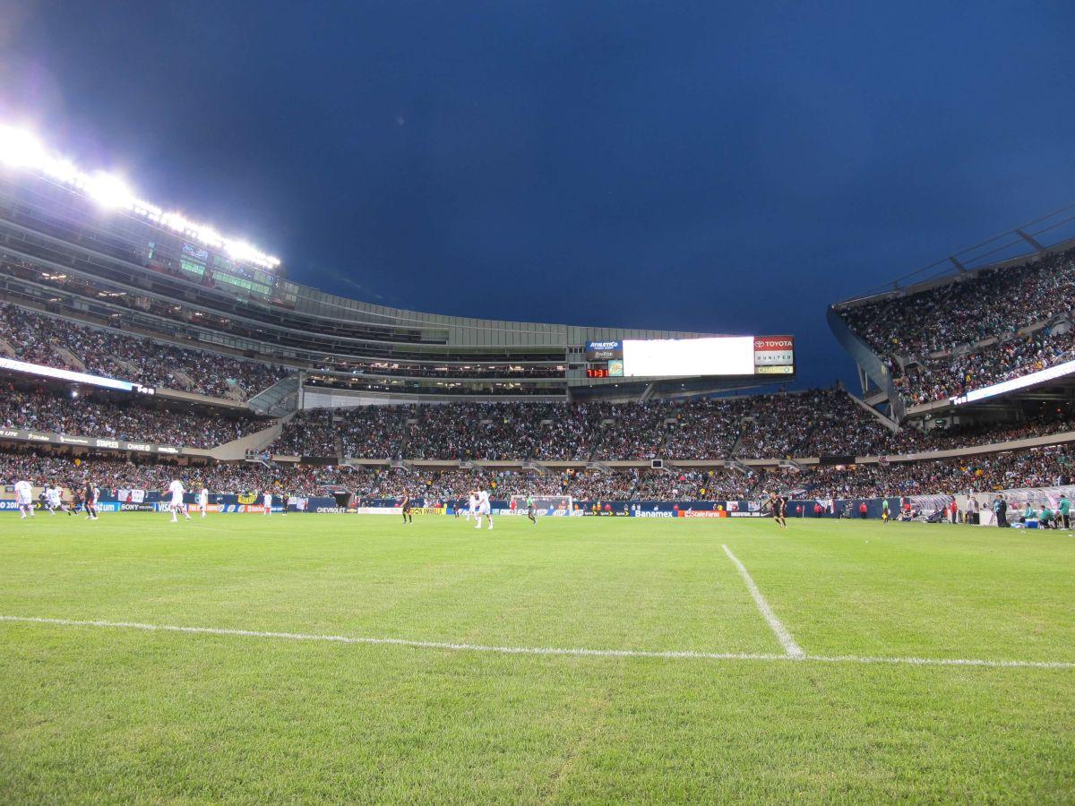 El Soldier Field recibe el 2 de agosto a las estrellas de la MLS contra el Real Madrid a las 8 pm. (Javier Quiroz / La Raza)