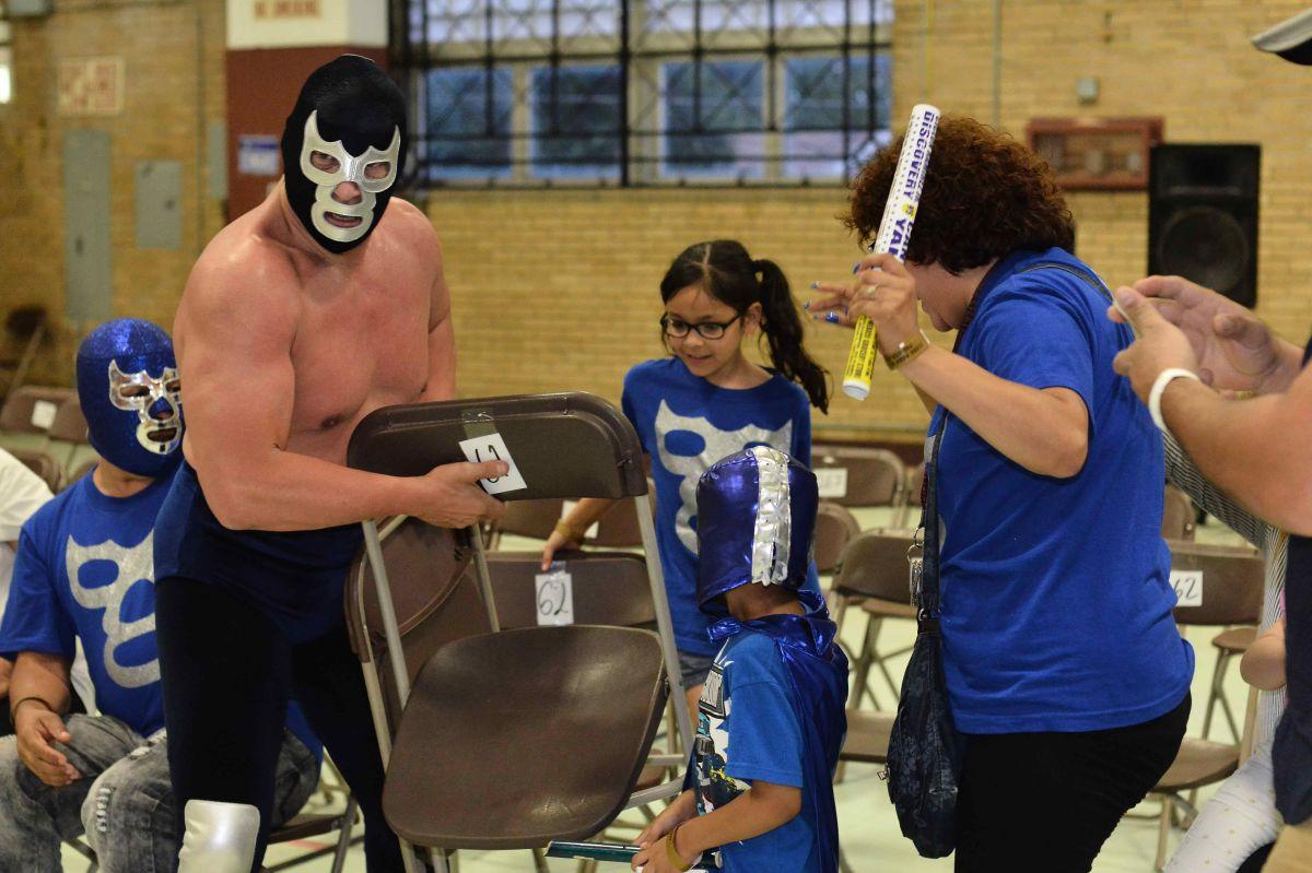 Una familia apoyó con todo a Blue Demon Jr.
