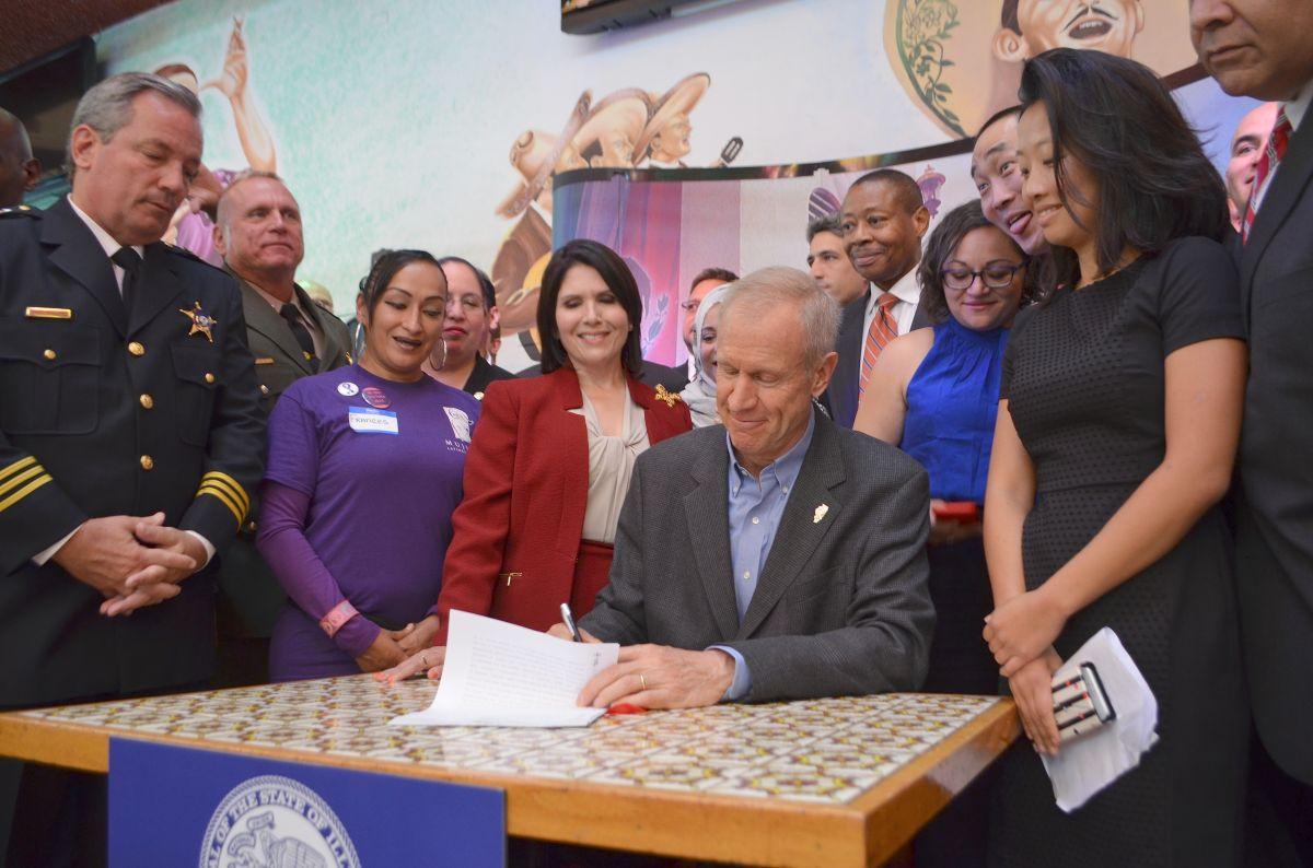 Amplio respaldo a la 'Trust Act', ley que ya da protección a indocumentados en Illinois