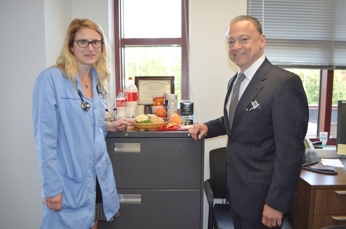Opera un nuevo centro de atención a diabéticos en histórico hospital en Humboldt Park