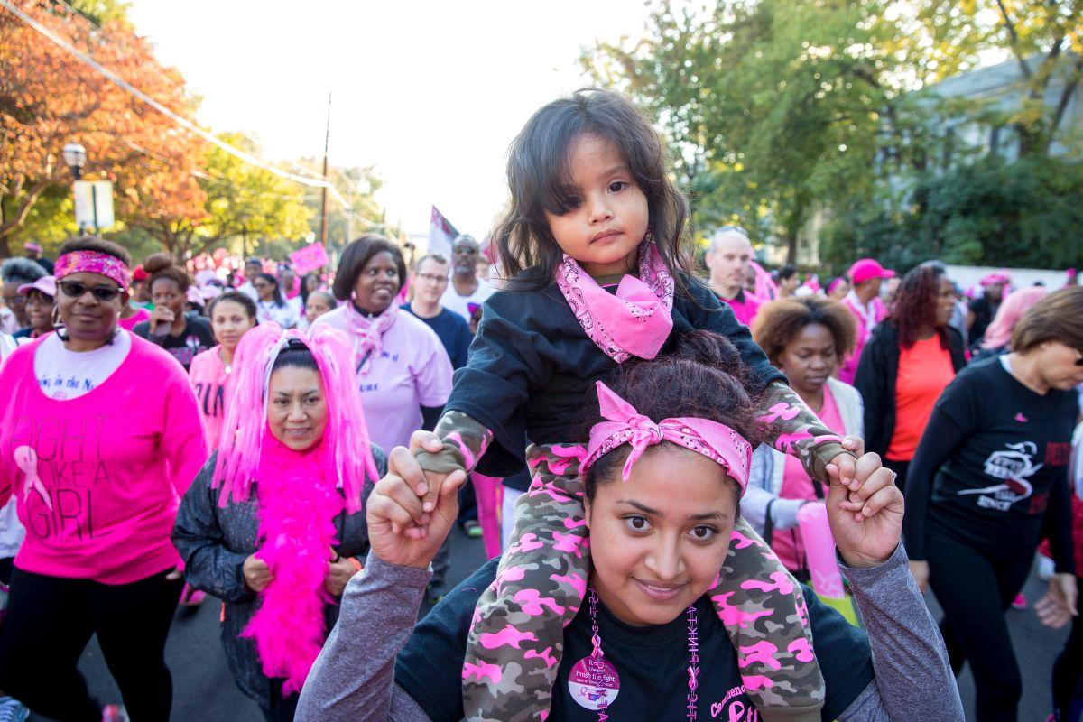 A caminar en Chicago en apoyo a la lucha contra el cáncer de seno