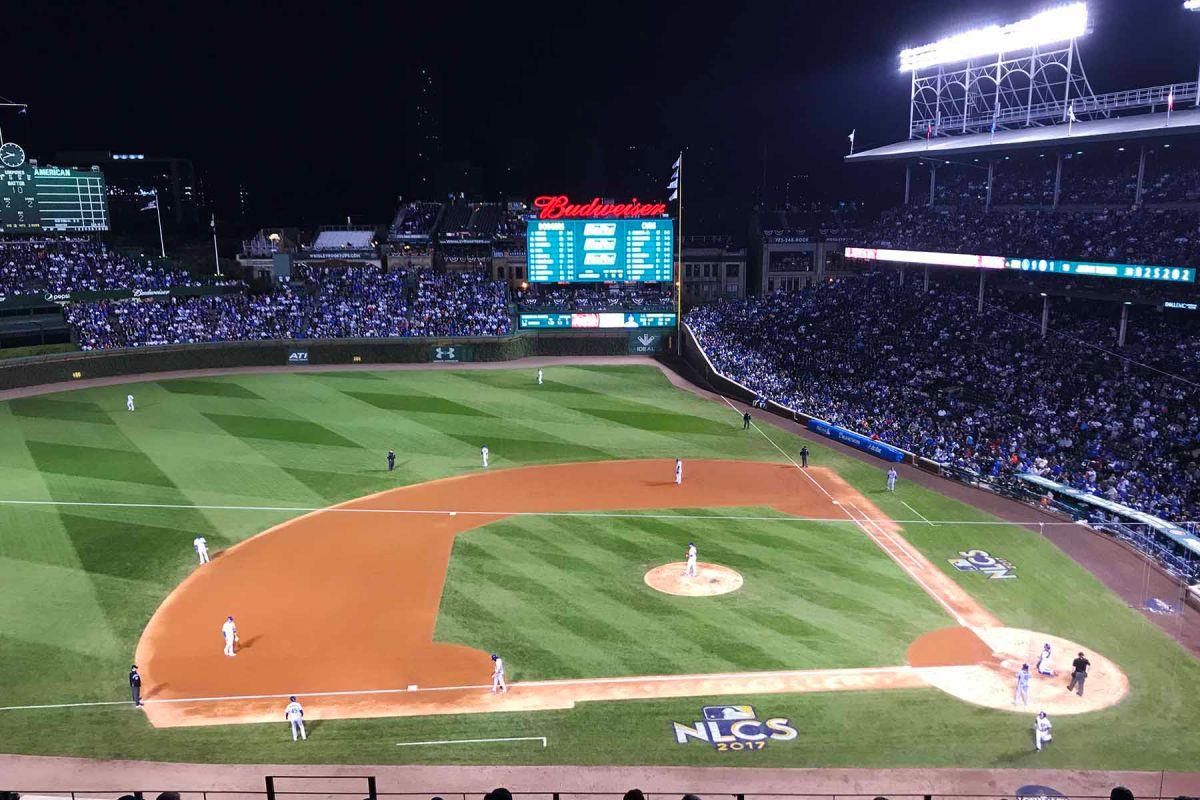 Los Cachorros se despidieron en el Wrigley Field jugando contra los Dodgers. (Javier Quiroz / La Raza)