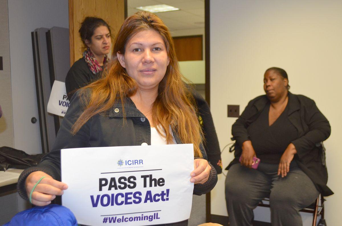 Impulsan proyecto de ley de apoyo a sobrevivientes de crímenes en Illinois