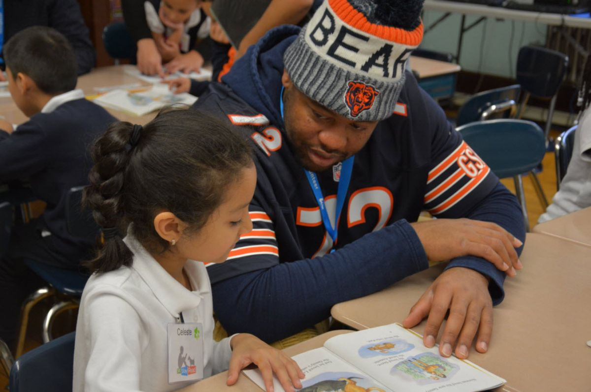 Los Chicago Bears donan a la alfabetización