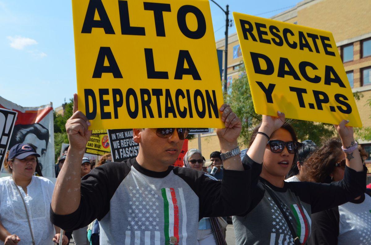 Inmigrantes con TPS en Chicago luchan por su regularización