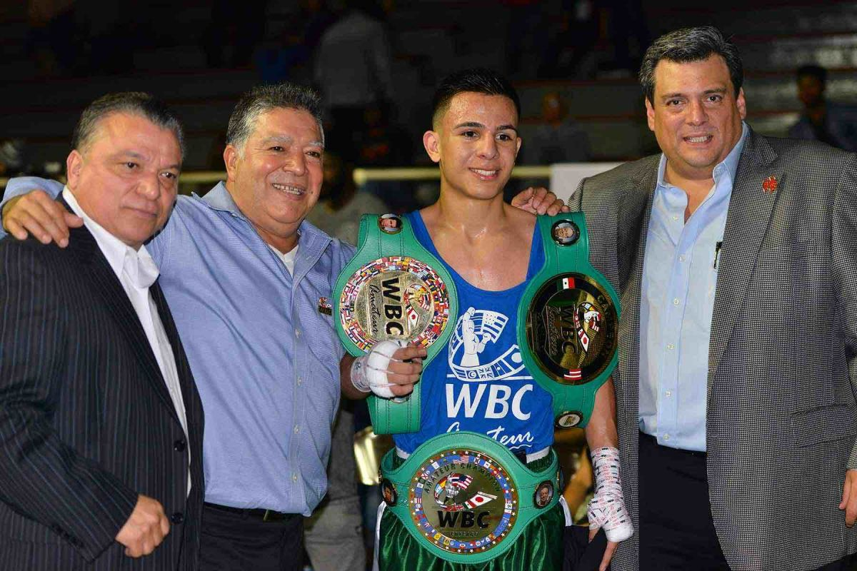 Boxeador local gana la Triple Corona del CMB