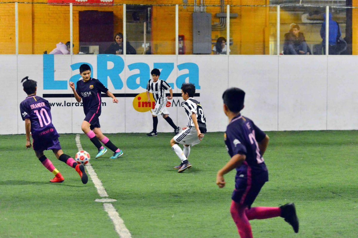 Copa La Raza una de las ligas de más rápido crecimiento en Chicago, e impulsora del futbol infantil. (Javier Quiroz / La Raza)