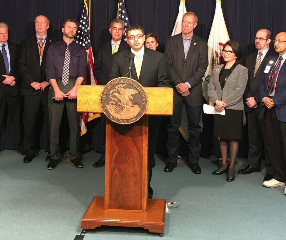 Lanzan línea de ayuda para combatir la crisis de opioides en Illinois