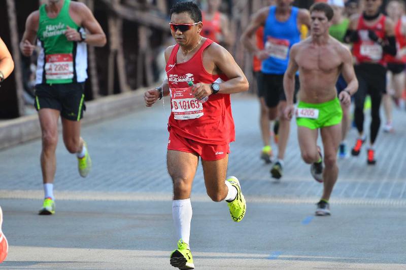 Al final del año Manuel Bautista habrá recorrido 3,000 millas de puro entrenamiento. (Javier Quiroz / La Raza)