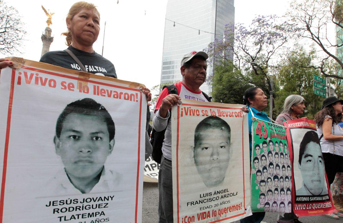 Activistas afirman que revelaciones ligadas a Chicago impiden cerrar caso Ayotzinapa