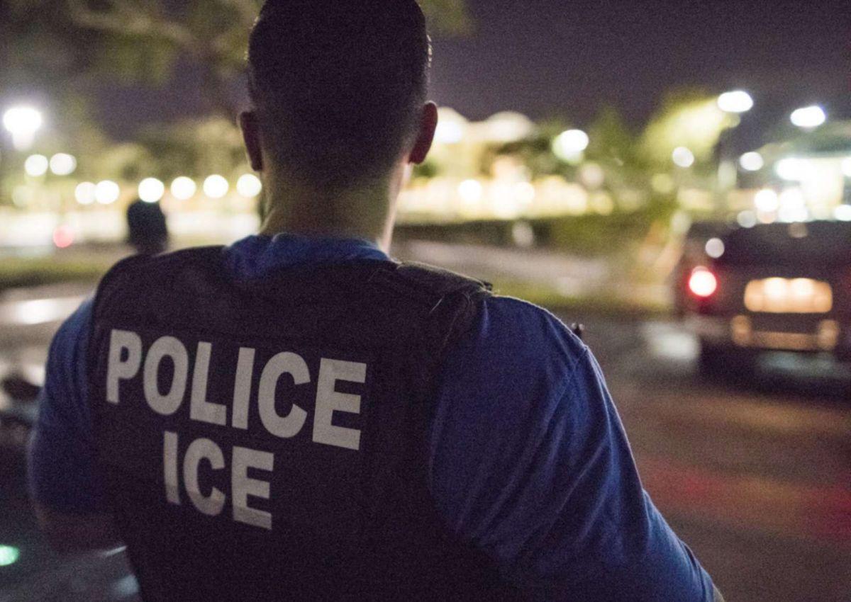 ICE arresta a 32 inmigrantes mientras trabajaban