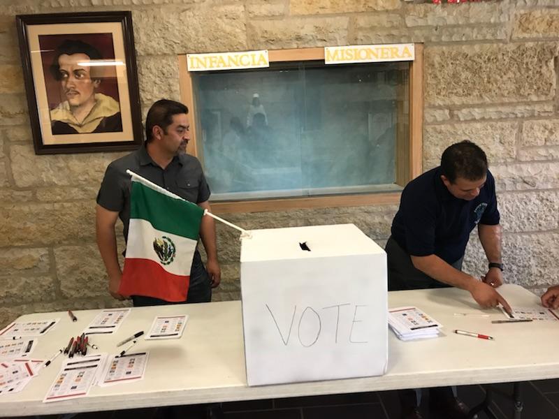 Mexicanos de Chicago reaccionan al triunfo electoral de López Obrador