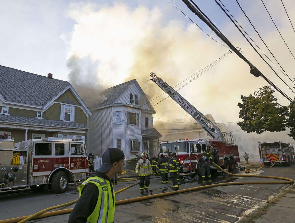 Niña muere en incendio de su vivienda en Englewood