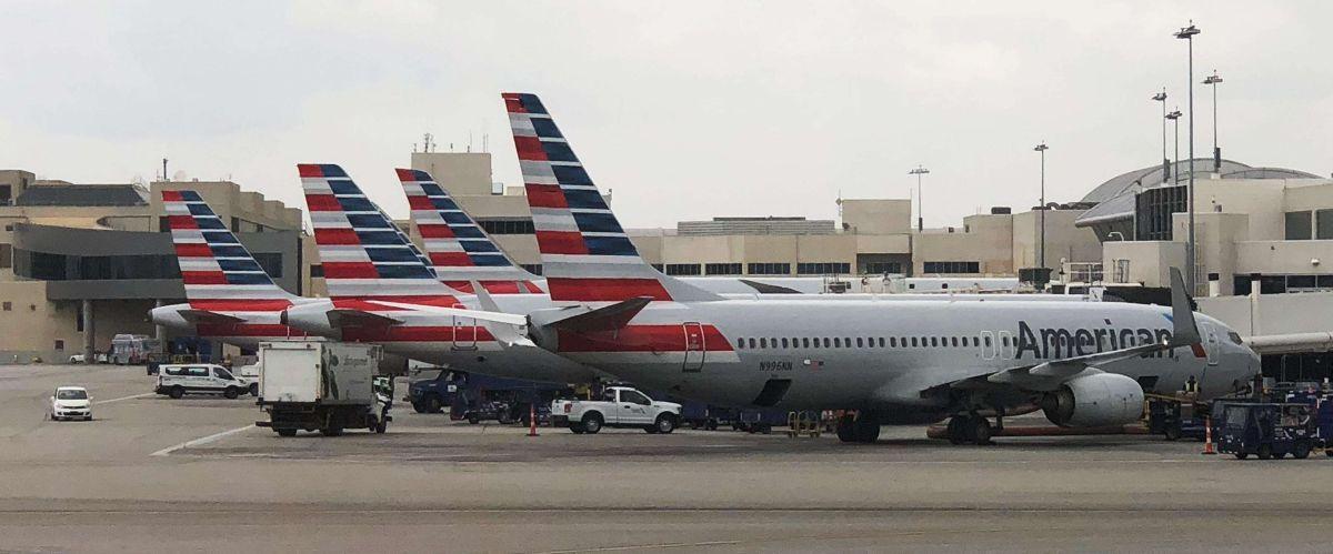Más de 1,000 vuelos cancelados en aeropuertos O'Hare y Midway por clima invernal en Illinois