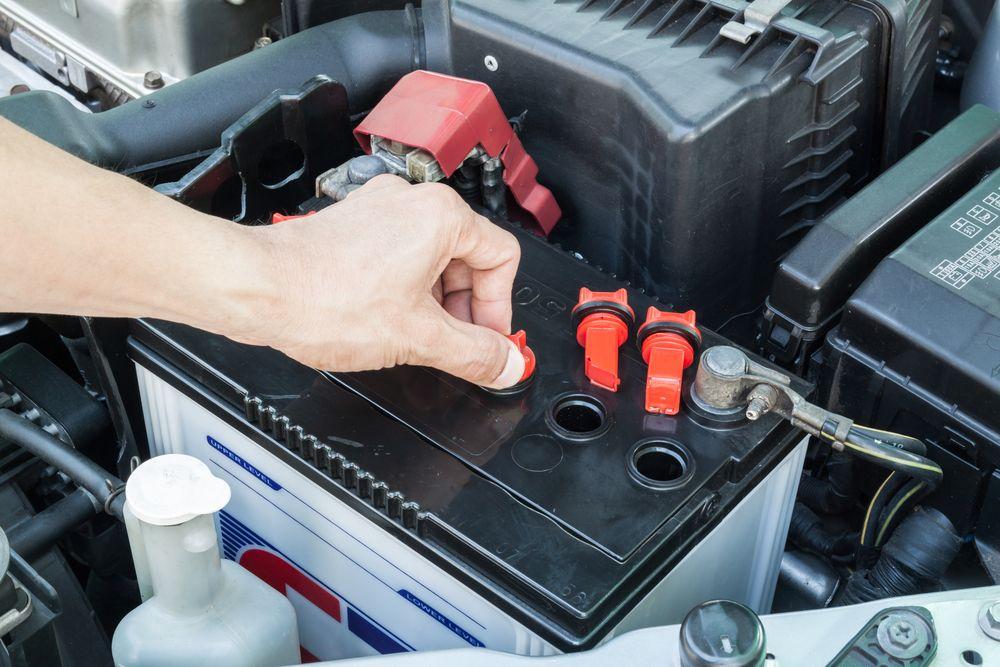 ¡Cuide su auto! Ahora el blanco de los ladrones son las baterías de los vehículos en Chicago