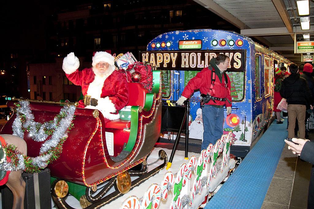 Santa recorre varias líneas de la CTA en Chicago.