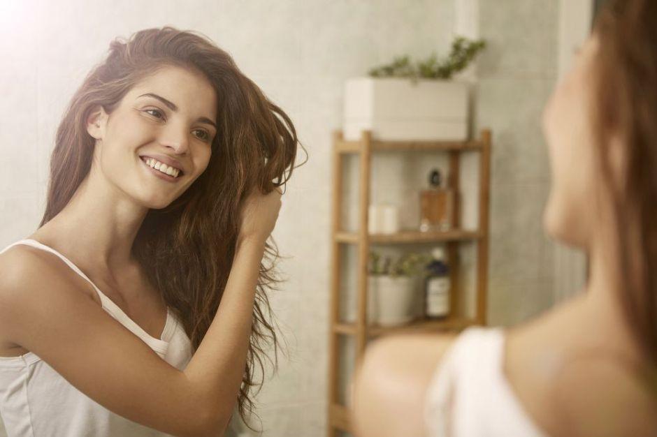 5 formas de mantener un cabello saludable naturalmente