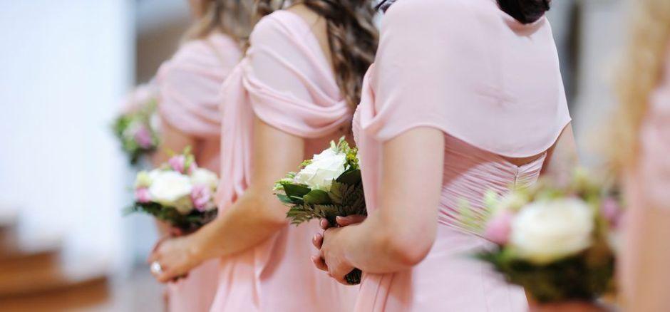 7 vestidos de dama de honor por menos de $50