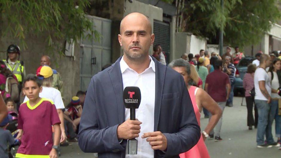 Periodista de Telemundo estuvo detenido 8 horas por agentes de Maduro en Venezuela