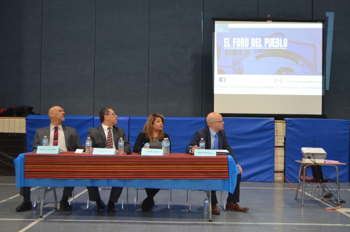 Aspirantes del Distrito 22 de Chicago presentan sus propuestas en foro en La Villita