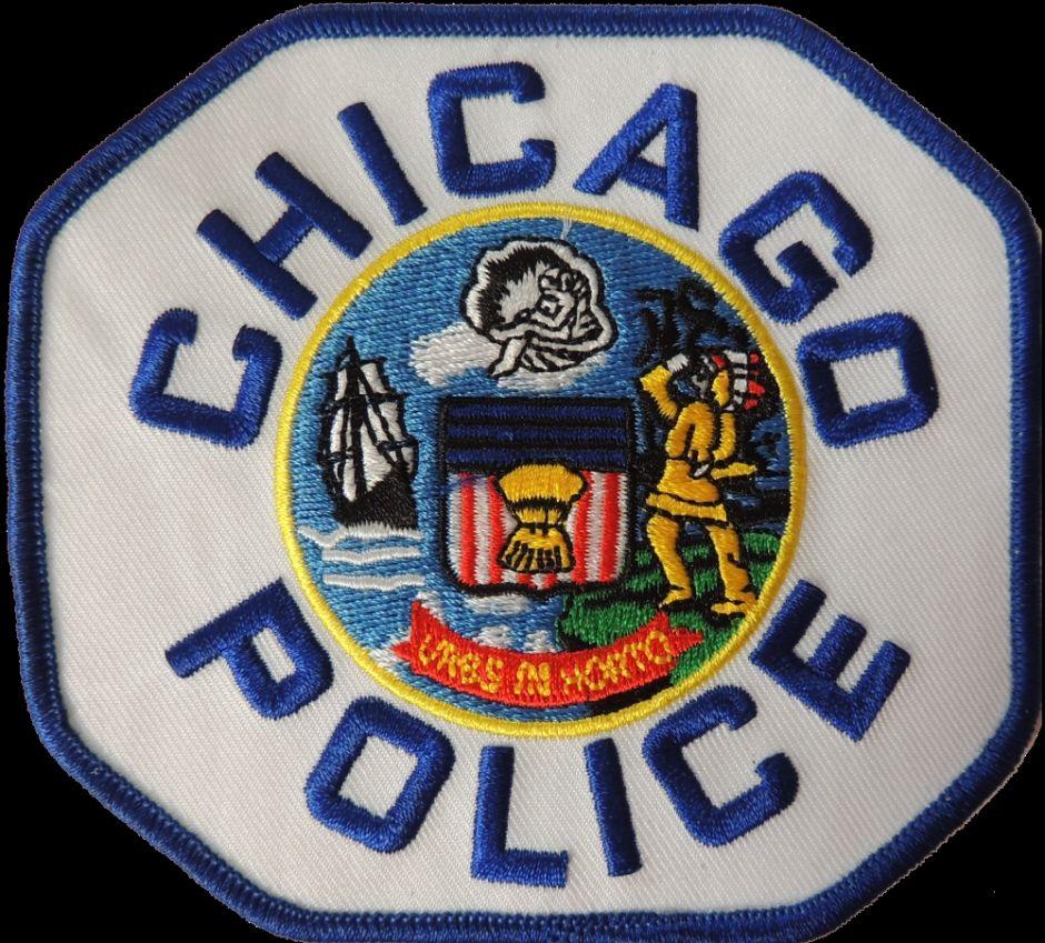 Hombre huye después de chocar contra un edificio del barrio de Norwood Park en Chicago