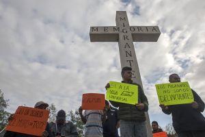Inmigrantes sufren el martirio de la incertidumbre y la presión federal
