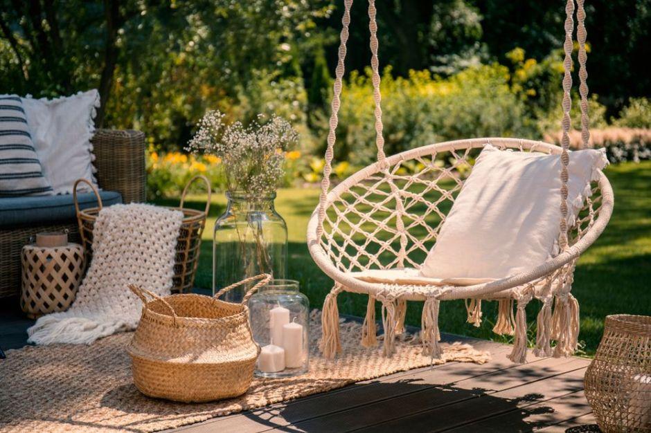 Las 4 mejores sillas colgantes para disfrutar de los días soleados en tu patio