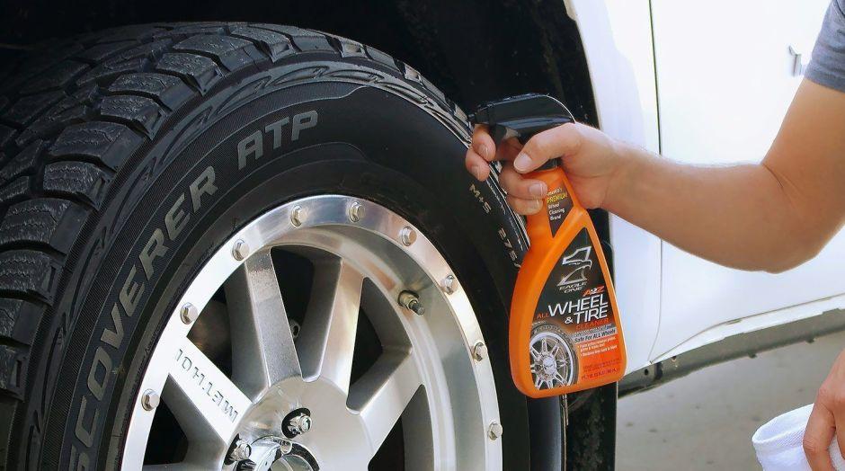 Los mejores 5 productos para limpiar las llantas de tu carro y dejarlas como nuevas