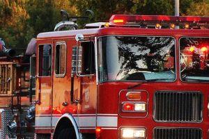 2 policías y 2 ancianos hospitalizados por un incendio en Lake View