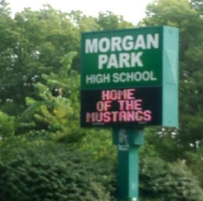 8 estudiantes hospitalizados por ataque con gas pimienta en la escuela secundaria Morgan Park