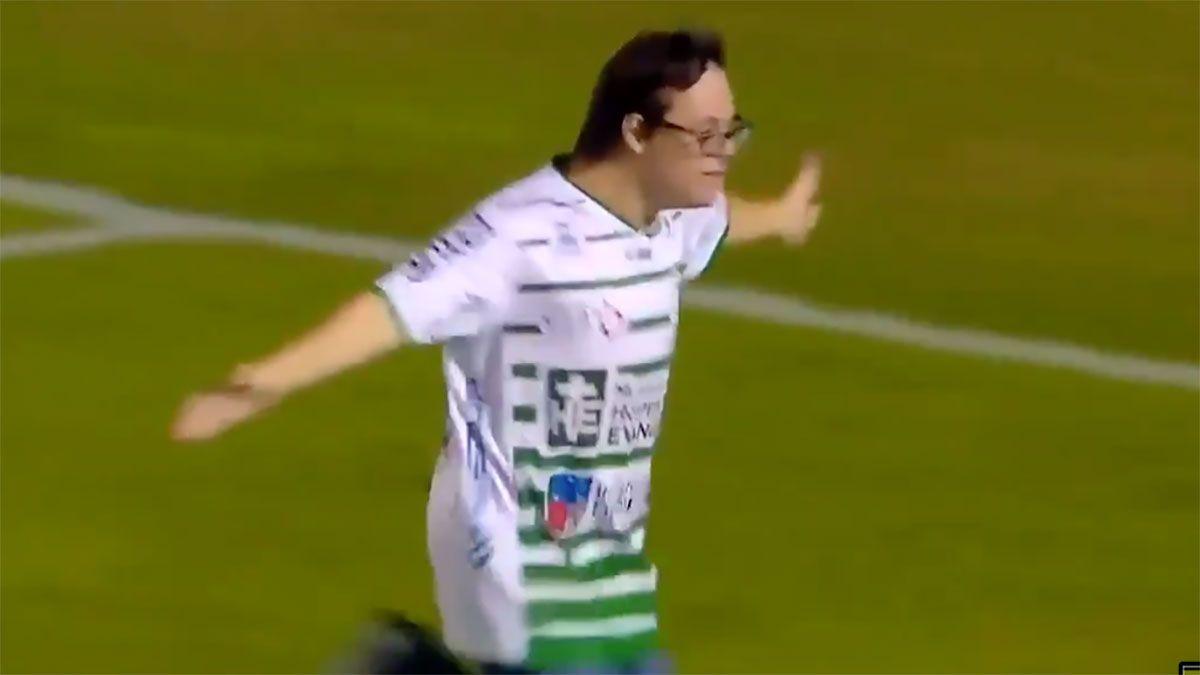 VÍDEO: Joven con Síndrome Down le anota gol a Peñarol