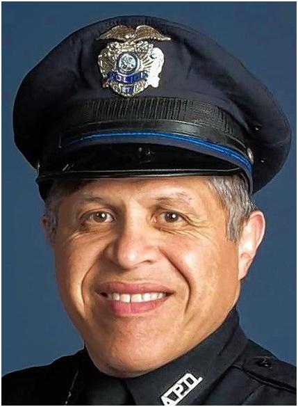Policía de Aurora, Illinois reconocido por salvar a una familia