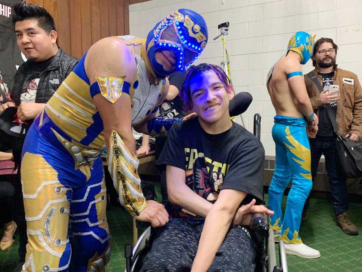 La lucha libre le cambió la vida a José Gómez en Chicago