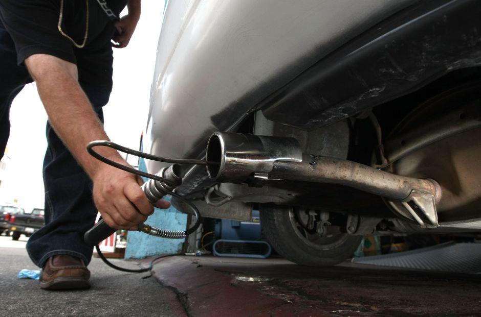 Para prevenir muertes por inhalación de dióxido de carbono, los autos de Toyota se apagarán por sí solos